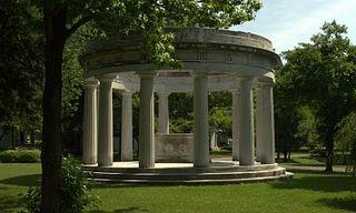 Birge_Memorial_-_Forest_Lawn%2C_Buffalo