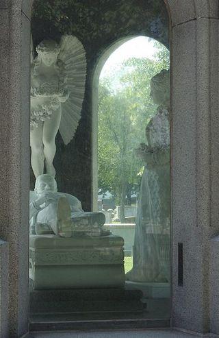File:Blocher Memorial interior - Forest Lawn, Buffalo