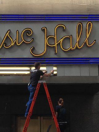 Radio City Marquee Change